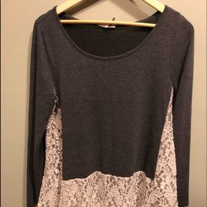 Entro lace and gray long sleeve size medium